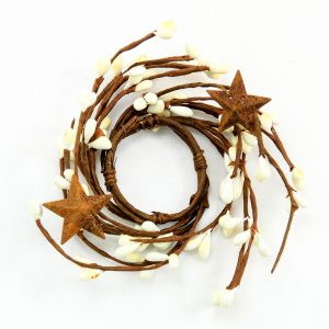 cream berry taper candle ring with stars