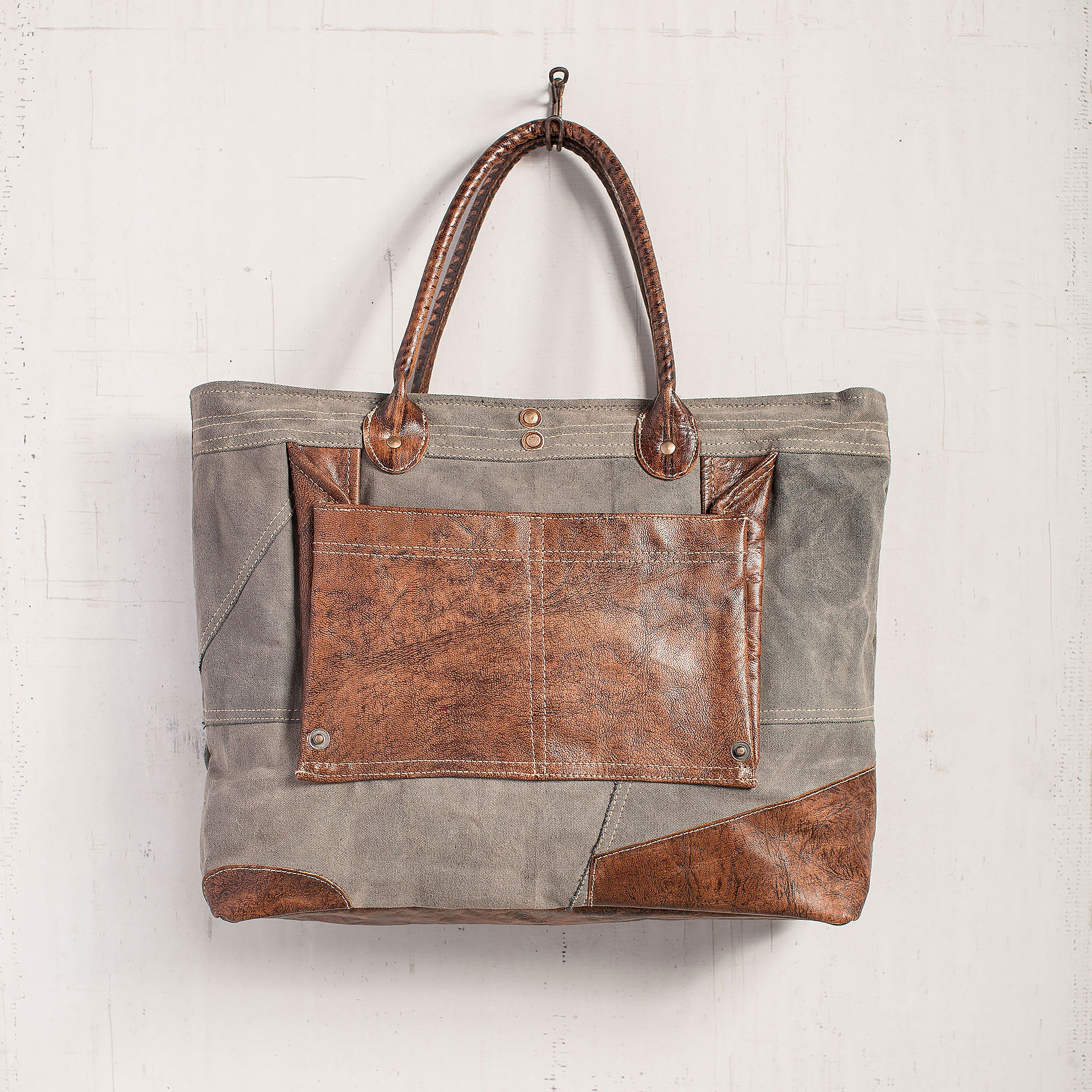 MON-3804-Dakota-Shoulder-Bag-LRG