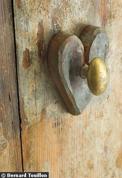 heart-doorknob