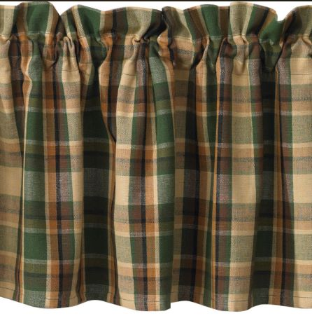 scotch-pine-valance